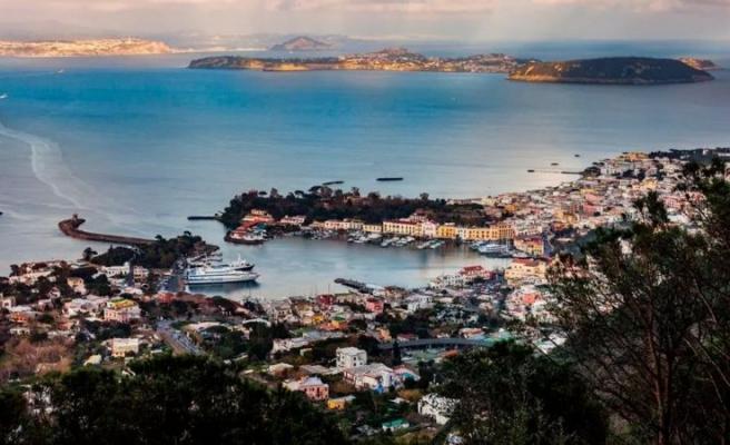 İtalya'da 'Virüssüz Ada' Projesi Hayata Geçirildi