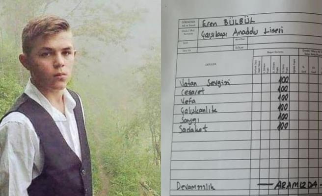 İyi ki Varsın: Trabzon Çarşıbaşı Anadolu Lisesi Öğrencileri, Eren Bülbül İçin Karne Düzenleyip Annesine Verdi