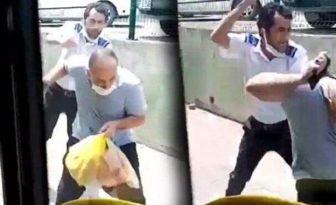 İzmit'te Otobüs Şoförü Tartıştığı Yolcuyu Tekme Tokat Dövdü