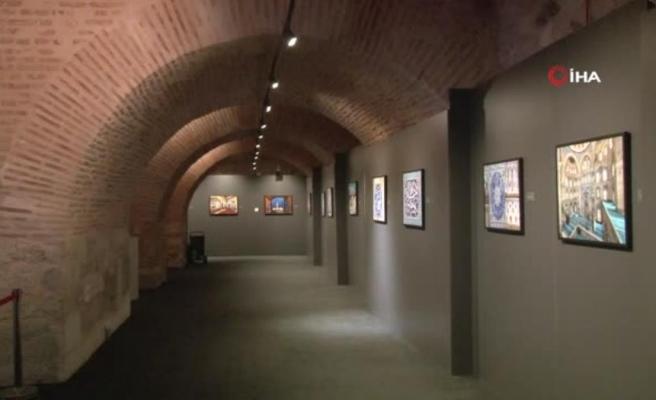 İzzet Keribar'ın 'Miras: İstanbul'da Osmanlı Mimarisi ve Çini Sanatı' sergisi açıldı