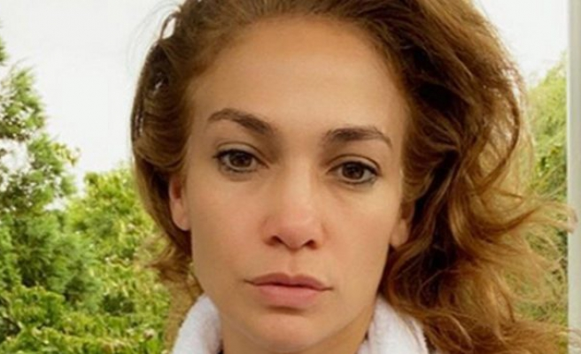 Jennifer Lopez'in paylaşımı hem övgü aldı hem kafa karıştırdı