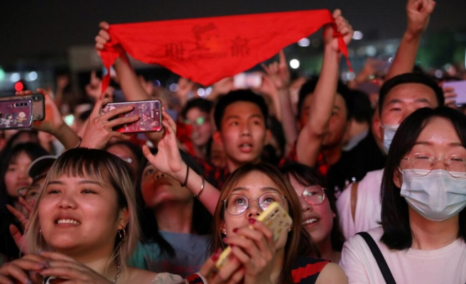 Kâbusun Başladığı Wuhan'da Hayat: On Binlerce Kişi Müzik Festivalinde...