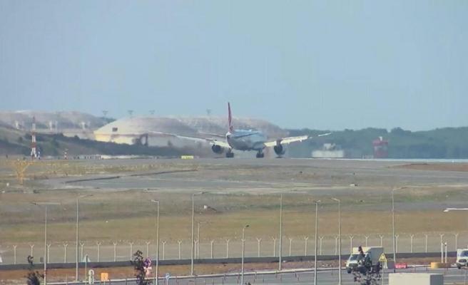 Kabil'den Türkleri Getiren THY Uçağı İstanbul Havalimanı'na İndi