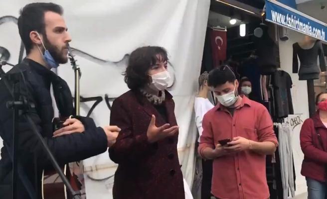 Kadıköy'de Müzik Yapan Gençlere Zabıta Engeli: '6 Aydır İşsizim, Garsonluk, Amelelik Ne Varsa Aradım'