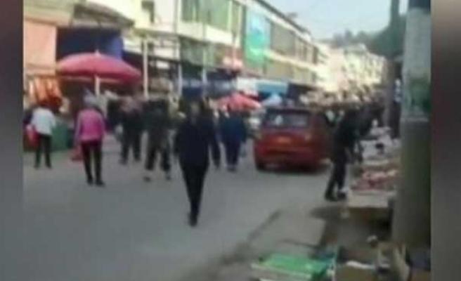Kamyon kalabalığın arasına daldı: 10 ölü, 16 yaralı
