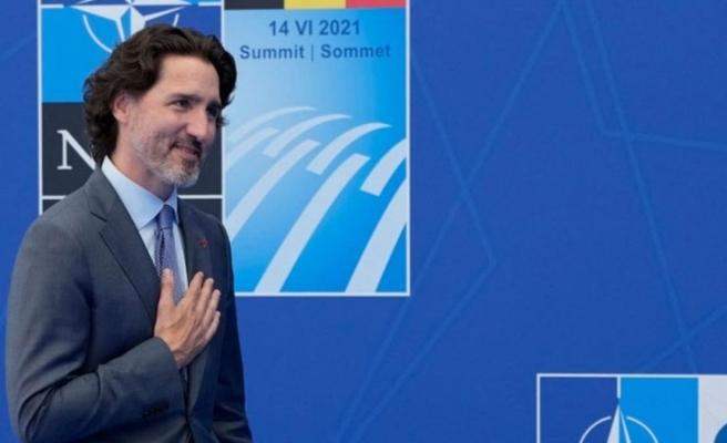Kanada Başbakanı yine bildiğiniz gibi! NATO Zirvesi'ne renkli çoraplarıyla damga vurdu