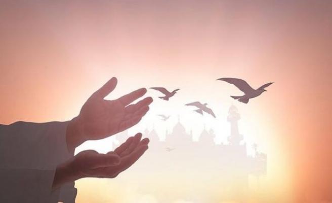 Kandilde yapılması gereken ibadetler neler? İşte Miraç Kandili ibadetleri ve duaları…