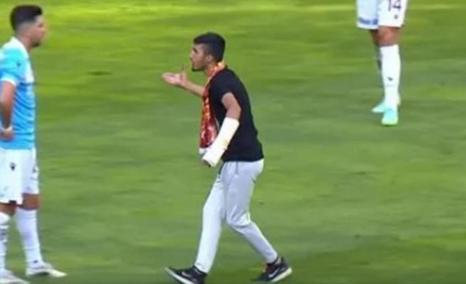 Kayseri'de büyük skandal! Trabzonsporlu Anastasios Bakasetas, gözü dönmüş holiganla burun buruna geldi