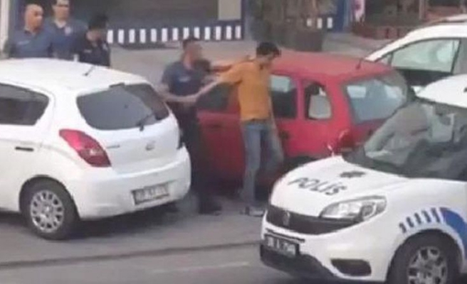 Kayseri'de İranlı Bir Vatandaş, Balkonuna İngiliz Bayraklı Havlu Asarsa: Polis Gözaltına Aldı, Mahalle Sakinleri Alkışladı