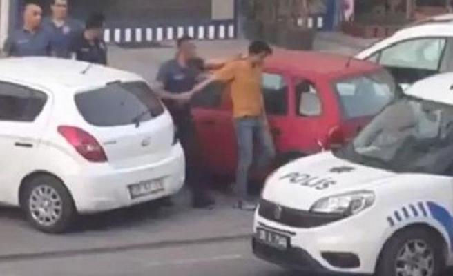 Kayseri'de İranlı Bir Vatandaş, Balkonuna İngiliz Bayraklı Havlu Asarsa: Polis Tutukladı, Mahalle Sakinleri Alkışladı