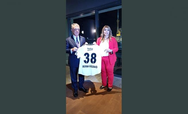 Kayserispor Başkanına Beşiktaş forması