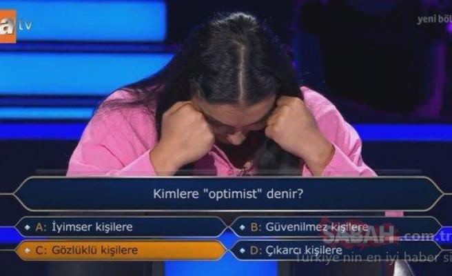 'Kimlere Optimist Denir?' Sorusuna Seyirci Jokeri Kullanıp 'Gözlüklü Kişilere' Cevabını Veren Yarışmacı