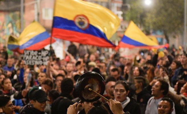 Kitlesel Gösteriler Geri Adım Attırdı: Kolombiya'da Hükümet Vergi Reformundan Vazgeçti