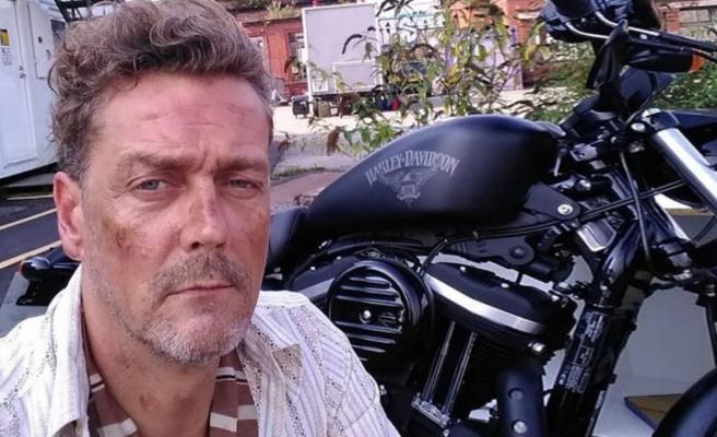 Kollarındaki karıncalanma şikayetiyle gittiği hastaneden taburcu edilen ünlü oyuncu Toby Kirkup evinde ölü bulundu