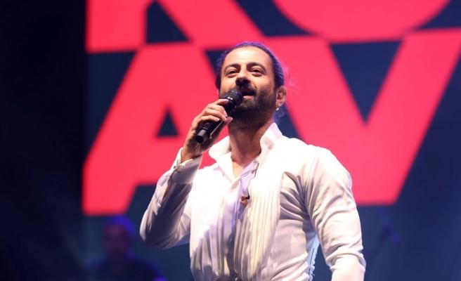 Konsere geç kalan Koray Avcı'nın imdadına motosikletli zabıta yetişti