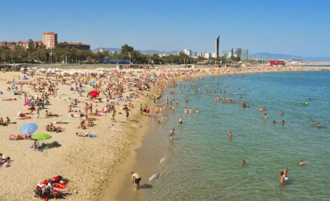 Koronavirüs Canlı Blog | Barcelona Sahilleri Yarın İtibarıyla Güneşlenmek İçin Açılıyor