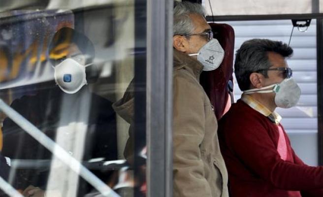 Koronavirüs Canlı Blog: İran'da Can Kaybı 1556'ya Yükseldi, Bakanlık Berber ve Kuaförleri Kapattı