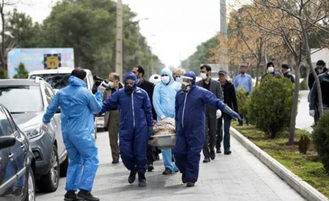 Koronaya Karşı Önlem İçin İçiyorlar: İran'da Sahte İçkiden Zehirlenen 194 Kişi Hayatını Kaybetti