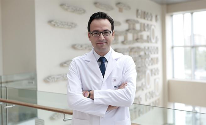 'Kulakta ağrı ve akıntı dış kulak enfeksiyonunun habercisi olabilir'