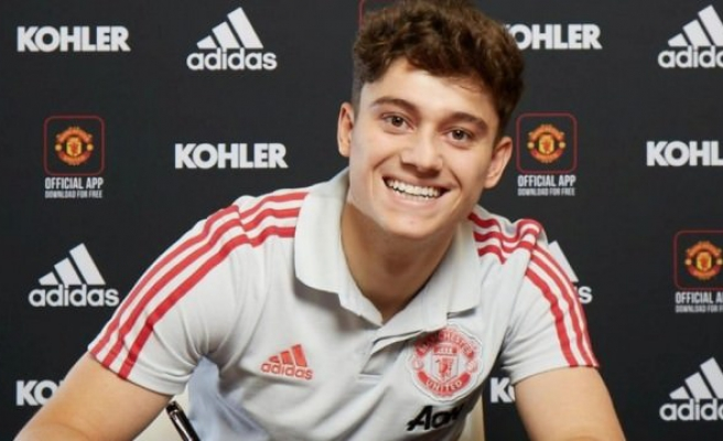 Manchester United ilk transferini yaptı!
