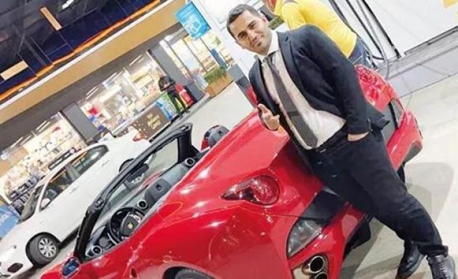 Markette Reyoncuydu, Ferrari Aldı! 600 Milyonluk Saadet Zinciri Vurgunu