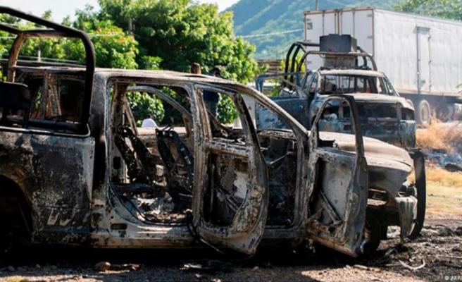 Meksika'da polis konvoyuna kanlı saldırı! 8'i polis 13 kişi öldü