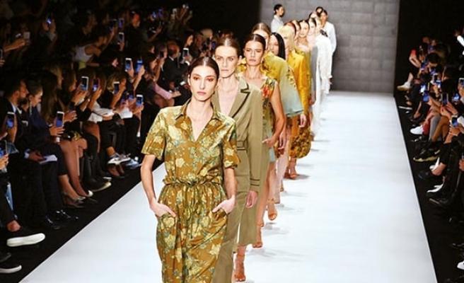 Mercedes-Benz Fashion Week İstanbul'da sonbahar romantizmi