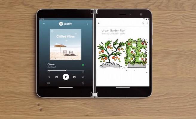Microsoft Surface Duo paramparça