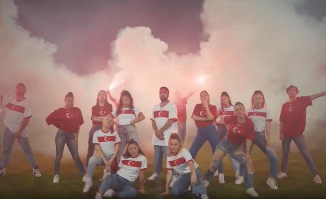 Milli Takımın EURO 2020 Şarkısı Yayınlandı: İnat Diye Buna Derler, Tarih Yazacak Bizim Çocuklar!