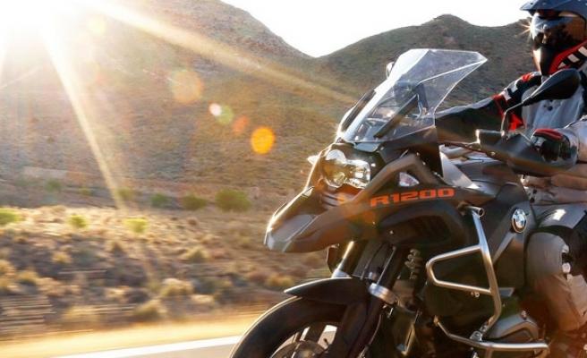 Motosiklet Sevdasına Kapılan Kocasına Açtığı Boşanma Davasını Kazandı