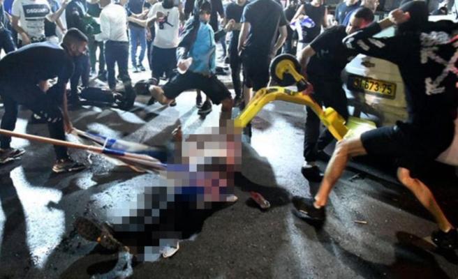 Müslüman sürücü, yüzlerce İsrailli tarafından sokak ortasında linç edildi