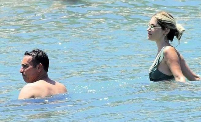 Mustafa Sandal sevgilisiyle Bodrum'un tadını çıkarıyor