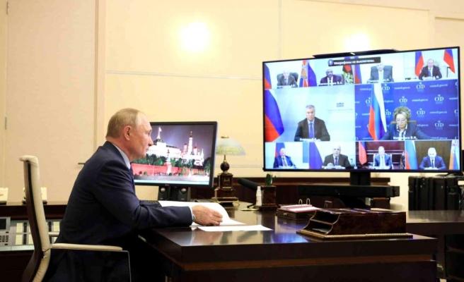 Öksürdüğü fark edilen Putin:
