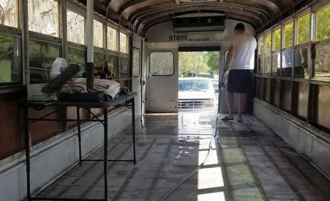 Okul otobüsünden ev yaptılar
