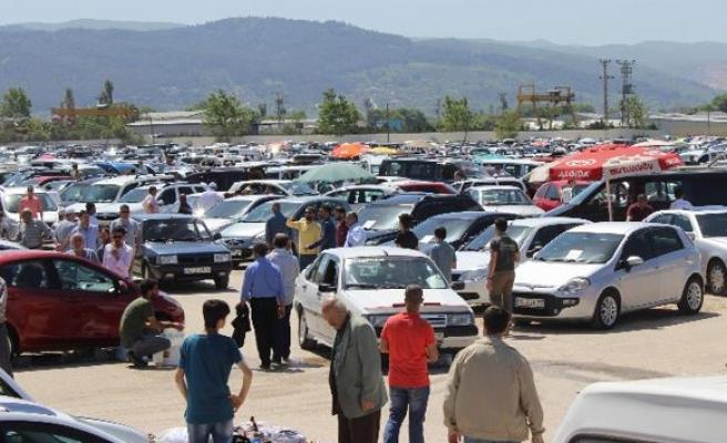 Otomobil pazarı Ekim ayında yüzde 7,1 daraldı
