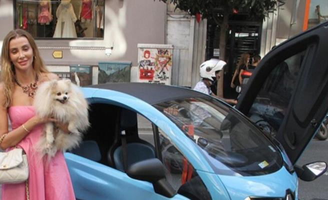 Özge Ulusoy'un mini arabasının fiyatı dikkat çekti