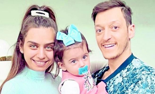 Özil çiftinin Eda'sı 1 yaşına bastı