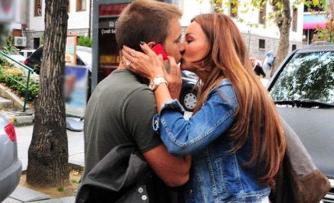 Pınar Altuğ: Deliye her gün bayram