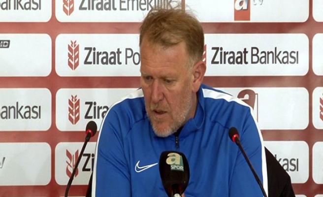 Prosinecki: 'Yeni gelen oyuncularla ligde kalmak için savaşacağız'