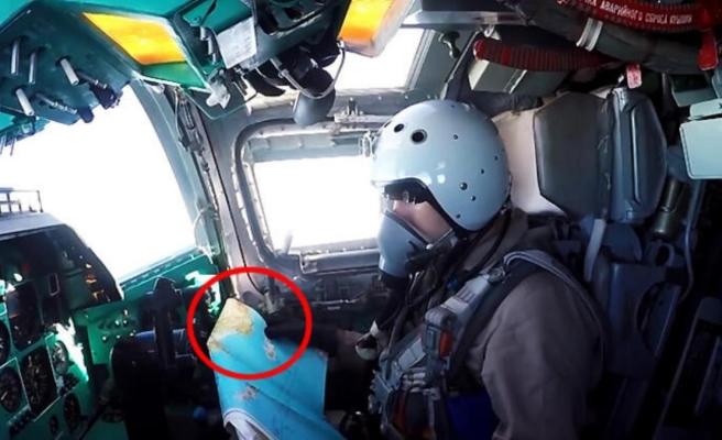 Rus savaş pilotunun elinde tuttuğu haritadaki Türkiye detayı dikkat çekti