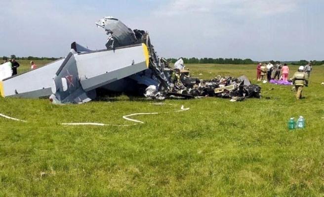 Rusya'da paraşütçüleri taşıyan uçak yere çakıldı: 9 ölü, 15 yaralı