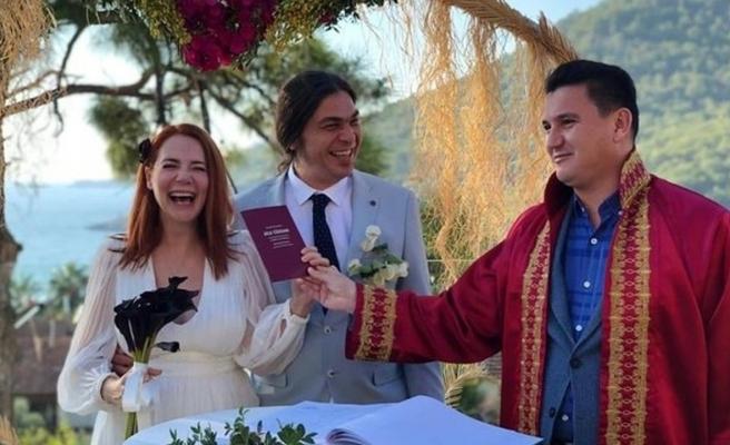Şarkıcı Aylin Aslım evlendi!