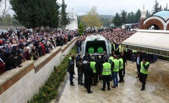 Satışlar Durduruldu: 'Sahte Peygamber' Evrenesoğlu'nun Defnedildiği Mezarlığa Yoğun Talep