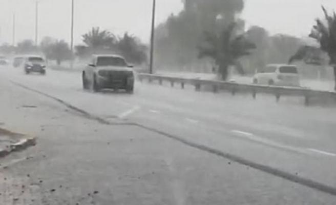 Sıcaklıklar 50 Dereceyi Buldu: Dubai Dronlarla Yapay Yağmur Yağdırdı