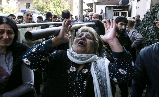 Sivilleri uykusunda öldüren Ermenistan'dan akıl almaz iddia! Ateşkesi Azerbaycan bozuyormuş