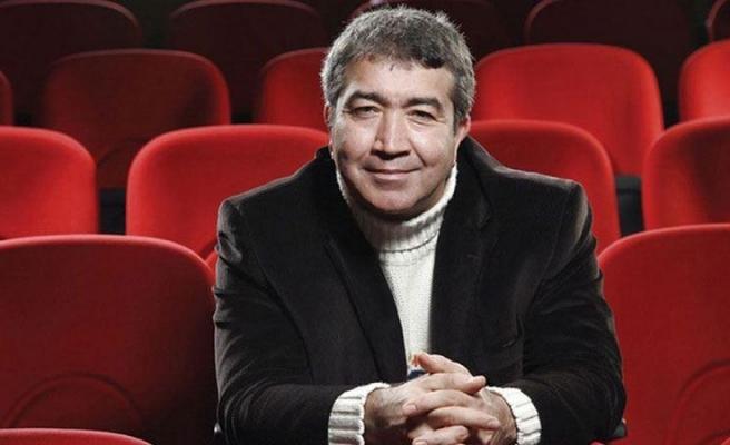 Skeçleriyle Tanınan Tiyatro Oyuncusu Turgay Yıldız Yaşamını Yitirdi