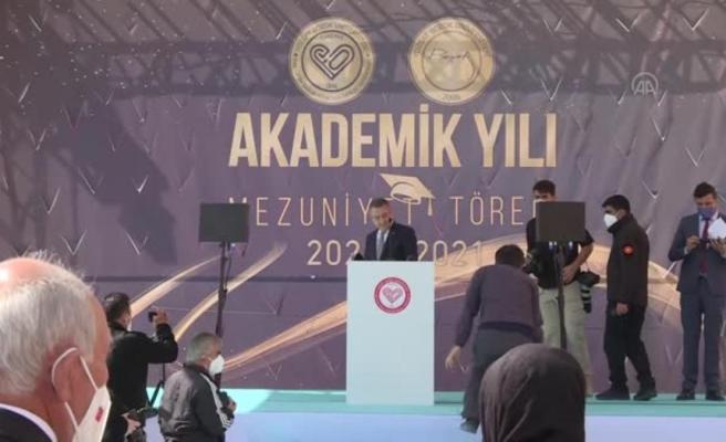 Son dakika haberleri: Cumhurbaşkanı Yardımcısı Oktay, Çekerek Fuat Oktay Sağlık Hizmetleri Meslek Yüksek Okulu mezuniyet törenine katıldı
