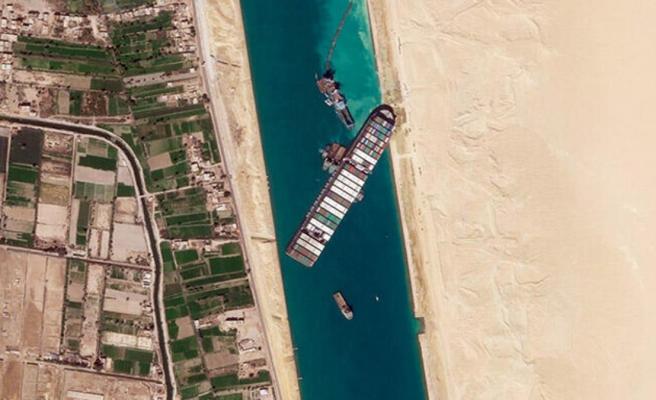 Son dakika: Süveyş Kanalı'ndaki kriz sona erdi! Dev gemi yüzdürüldü, kanal trafiğe tekrar açıldı