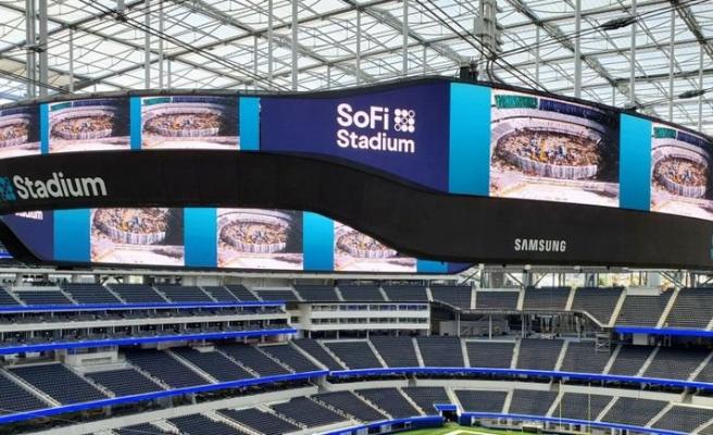 Stadyumdaki devasa LED ekranı hazır