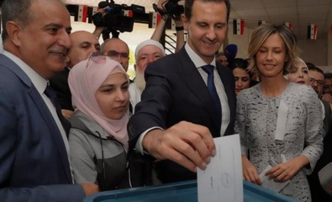 Suriye seçimlerini oyların yüzde 95'ini alan Beşşar Esed kazandı
